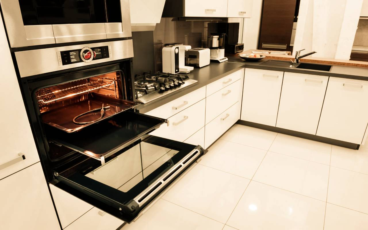 Modern Kitchen Gadgets to Improve Your Cooking Experience