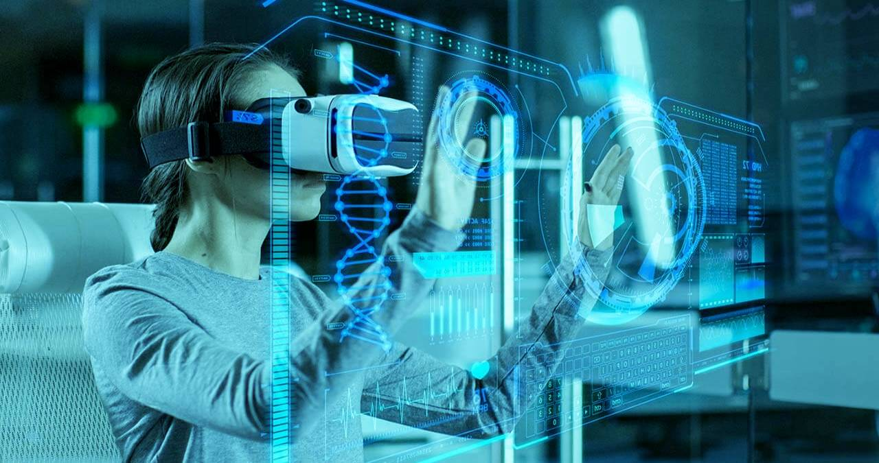 Virtual Reality & Augmented Reality – Differences & Uses,