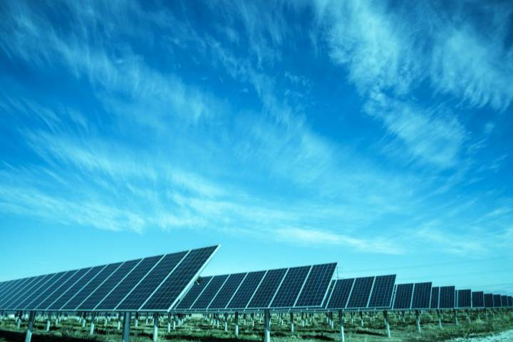 Solar Data Centers To Expand IT Networks And Services